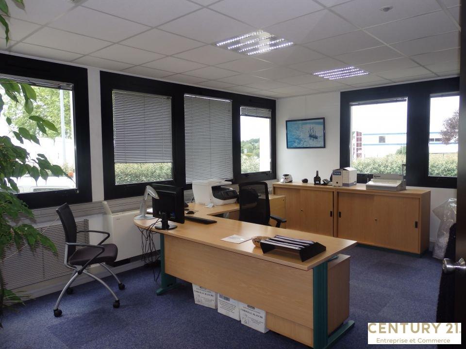 Bureaux à louer - 554.31 m2 - 72 - Sarthe