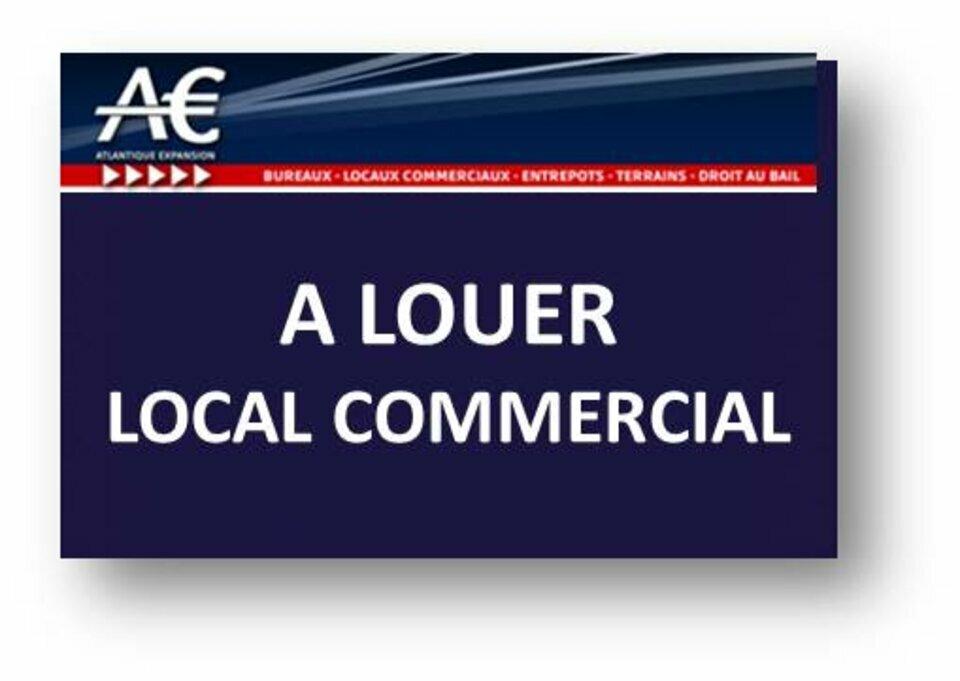 EMPLACEMENT N°1 A  LOUER LOCAL COMMERCIAL EN CENTRE VILLE DE LA BAULE